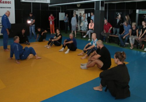 В Донецке провели первый обучающий семинар для преподавателей физкультуры в рамках проекта «Дзюдо в школу»